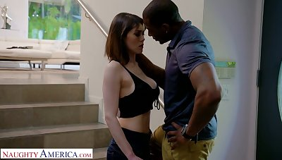 Murkiness babe Audrey Noir is coition with hot blooded big black boyfriend