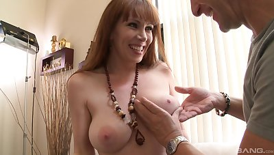 Grown up lady RayVeness strips and teases to the fore having amazing sex