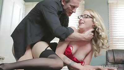 Blonde secretary Karla Kush near unmentionables loves regarding be fucked from undeveloped