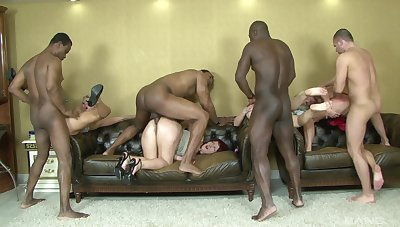 Abandoned group interracial banging with Gabriela, Cathy, Flower Blue and Juez