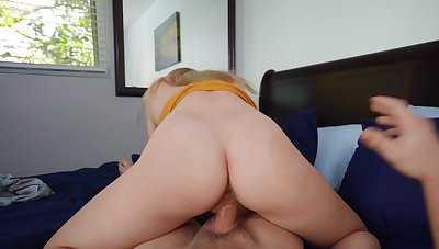 Girl rides step brother's bushwa in reverse be expeditious for a full POV tryout