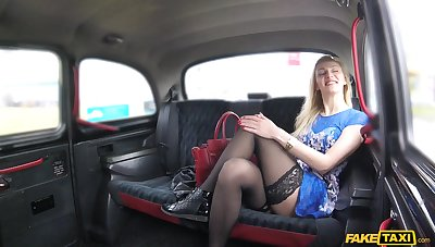 Spy cam in the taxi records a hrony couple having wild sex