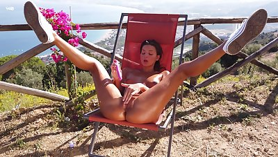 Sun-kissed Maria spreads their way legs outside to dip fingers in their way hungry twat