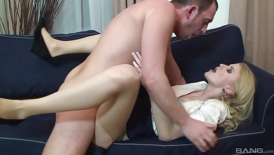 Blonde woman leaves her Mr Big brass to lady-love her in the ass